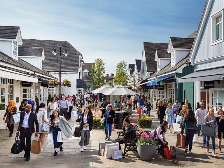 Graven Hill shopping - Bicester Village