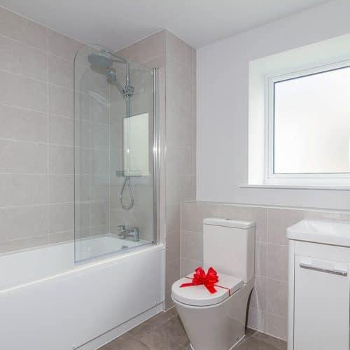 Plot 225 - Family Bathroom